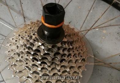 Radlager hinten reinigen, pflegen und fetten – Liqbike Pedelec/ Fahrrad