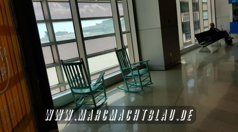 Schaukelstuhl im Flughafen
